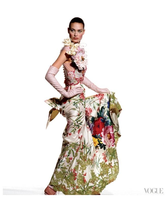 Floral Elegance (Model Shalom Harlow)