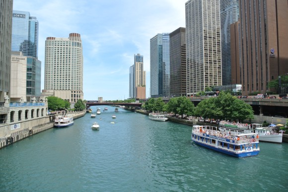 Chicago Scene n June:  Visuals Of The Chicago River